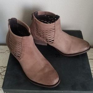 Joe's 6.5 Humbert Brown Leather Booties Excellent